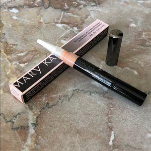 NIB Mary Kay Shade 3 Facial Highlighting Pen